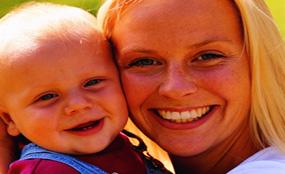 婴幼儿健康 - 帮婴儿按摩的益处