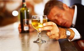 纵酒损坏大脑神经