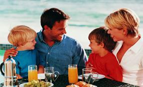 親子關係 - 一起進餐促進家庭關係